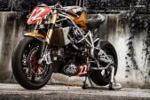 """""""Lột truồng"""" siêu môtô Ducati 1198 thành xế Cafe Racer"""