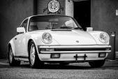 Siêu xe Porsche 911 bản đua đường đất