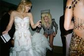 Điều gì xảy ra ở nơi thay đồ của đại tiệc thời trang