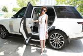 """""""Á hậu sexy"""" Linh Chi bên xế hộp Range Rover hơn 9 tỷ"""