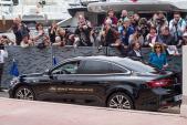 """Xế Renault Talisman đón """"siêu sao"""" tại Cannes 2016"""