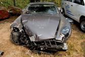 """Siêu xe tiền tỷ Aston Martin thành """"phế liệu"""" ở Sài Gòn"""