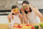 Bí quyết nuôi con không béo phì của Hoa hậu Hương Giang