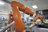 Nhà máy iPhone dùng robot, sa thải 60.000 công nhân