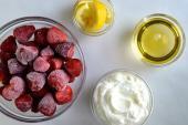 Cách làm kem sữa chua dâu tây mát lạnh chỉ trong 5 phút