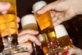 Cách phân biệt bia xịn và bia kém chất lượng