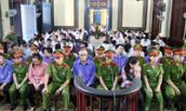 Vụ 10 cán bộ Hải quan hầu tòa: Tạm hoãn phiên xử đến 15/6