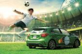 Huy Khánh cùng hatchback Mercedes cổ vũ tuyển Đức