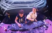 Hoàng Yến và dàn DJ nóng bỏng