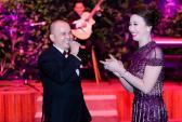 Ông chủ Phố Xinh hát tặng Hoa hậu doanh nhân Thúy Nga