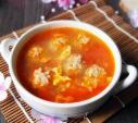 Canh cà chua trứng thịt viên vừa dễ làm, vừa ngon miệng