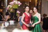 3 người đẹp Việt đua nhau khoe dáng ở Hà Nội