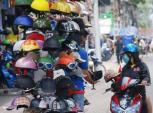Mũ bảo hiểm dỏm vẫn nhan nhản trên phố Sài Gòn, thách thức cơ quan chức năng