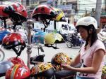 Kinh doanh mũ bảo hiểm phải có điều kiện: Rào cản quyền tự do kinh doanh?