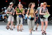 Khách du lịch 5 nước Tây Âu được miễn thị thực vào Việt Nam tăng