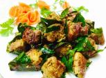 Thịt lợn cuộn lá mắc mật nướng thơm ngon, lạ miệng