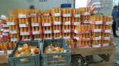 Hình ảnh kinh hãi trong nhà máy sản xuất nước hoa quả đóng chai