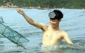 Xem dân Quảng Ngãi mang lồng ra biển bắt ghẹ