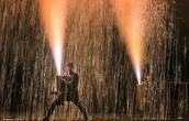 Lễ hội bắn pháo hoa bằng tay không ở Nhật