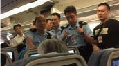 Du khách Trung Quốc bị bắt vì hắt nước vào người tiếp viên!