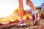 Mua giày chạy bộ loại nào tốt cho chân và cơ thể?