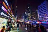 Cảnh đối lập giàu nghèo ở khu phố đắt đỏ nhất xứ Hàn