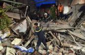 Hiện trường vụ sập nhà làm 1 người chết, 5 người bị vùi lấp