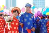 Bí thư Đinh La Thăng chúc mừng 100 cặp đôi cưới tập thể ngày 2/9
