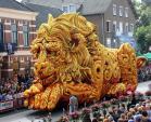 Chiêm ngưỡng những xe hoa khổng lồ trên đường phố Hà Lan