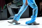 Giày 2 mũi - phụ kiện độc đáo nhất New York Fashion Week