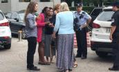 Một phụ nữ TQ dùng dao chặt thịt tấn công du khách