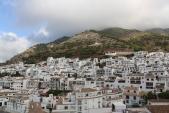Ghé thăm ngôi làng trắng hấp dẫn nhất Tây Ban Nha