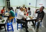 Đầu bếp Mỹ hé lộ lý do đưa ông Obama đi ăn bún chả