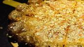 Choáng ngợp những món ăn dát vàng chỉ phục vụ giới siêu giàu