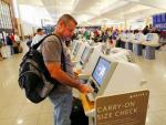 Đăng hình vé máy bay lên mạng nguy hiểm như thế nào