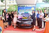 Khách hàng của Bảo Việt Nhân thọ tại Hà Tĩnh nhận xe ôtô Toyota