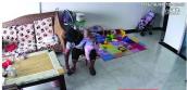 Con 9 tháng sợ osin, mẹ điều tra phát hiện sự việc kinh hoàng