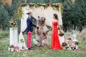 Đám cưới nhớ đời của cặp đôi với vị khách đặc biệt