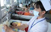 Trẻ em mắc sốt xuất huyết ngày càng nhiều: Các ông bố, bà mẹ không nên tự ý mua thuốc