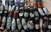 Mách bạn 3 cách chọn giày hàng thùng siêu đẹp siêu bền