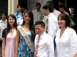 Những lần xuất hiện cùng Hoa hậu Thế giới của ông Hoàng Kiều