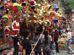 Đón Giáng sinh trên phố Hàng Mã lung linh sắc màu