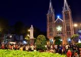 Những địa điểm không thể bỏ lỡ ở Sài Gòn mùa Giáng sinh 2016
