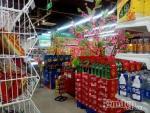 Sau Tết dương lịch, các mặt hàng phục vụ Tết Đinh Dậu 2017 đã bày la liệt trên kệ siêu thị