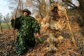 Giả làm cây cối trong lễ hội tạm biệt mùa đông