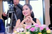 Hoa hậu Hoàn vũ Thái Lan làm giám khảo cuộc thi sắc đẹp Việt