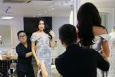 Trang phục dạ hội của Lệ Hằng ở chung kết Hoa hậu Hoàn vũ