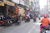 Ngày 22 tháng Chạp: Người Sài Gòn rộn ràng mua sắm Tết tại chợ tài lộc Hải Thượng Lãn Ông