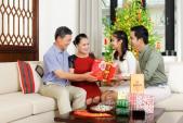 Tết Đinh Dậu 2017: Thêm gắn kết với những món quà tết ý nghĩa dành tặng bố mẹ
