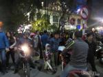 Hà Nội: Dịch vụ trông giữ xe đêm giao thừa 50.000 đồng/xe vẫn không có chỗ để gửi
